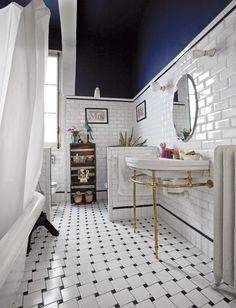 Here's one thing that makes blue bathroom ideas distinctive as compared to the., Here's one thing that makes blue bathroom ideas distinctive as compared to the blue bedroom and blue. Gorgeous Bathroom, Modern Barn House, House, House Bathroom, Bathroom Interior Design, Bathroom Trends, Blue Bathroom, Apartment Bathroom, Apartment Chic