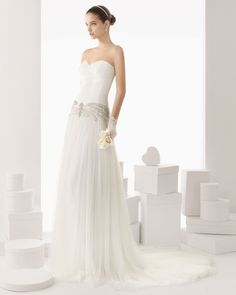 vintage inspired strapless dropped waist wedding gown from the Rosa Clara Spring 2014 Collection Rosa Clara Wedding Dresses, Vintage Inspired Wedding Dresses, Wedding Dresses 2014, Prom Party Dresses, Wedding Gowns, Tulle Wedding, Parisian Wedding, Wedding Pics, Spring Wedding
