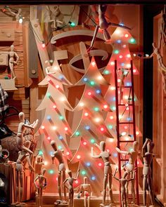 Noël vitrine des idées et des conseils inspirants pour décoration de vitrines en 150 photos