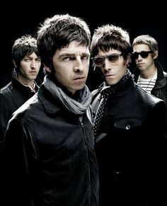 Noel Gallagher when he was with Oasis Foo Fighters, Radiohead, Bon Jovi, Liam And Noel, Oasis Band, Band Photography, Noel Gallagher, British Rock, Britpop