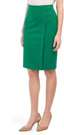how to wear pencil skirt Pencil Dress Outfit, Pencil Skirt Casual, Pencil Skirt Outfits, Denim Pencil Skirt, Pencil Skirts, Denim Skirt, Satin Pencil Skirt, Clubbing Outfits, Office Outfits Women