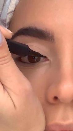 Face Paint Makeup, Eye Makeup Brushes, Eye Makeup Art, Clown Makeup, Eyebrow Makeup, Skin Makeup, Makeup Tutorial Eyeliner, Makeup Looks Tutorial, Simple Eyeliner Tutorial