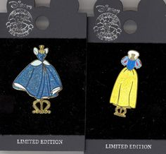 Disney Disneyland Princess Snow White & Cinderella Dress Stand LE Pin Set & Card