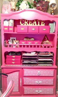 PINK! Organized office idea