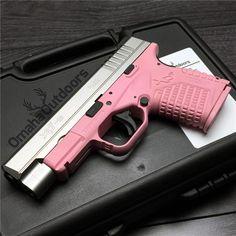 Springfield XD-S Bi-Tone 4.0 Victoria Pink 9mm 7 / 8 RDS 4″ Handgun - Omaha Outdoors