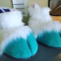 Resultado de imagen de hooves paws fursuit