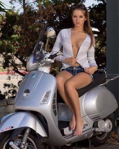 Mulher em Scooter, gostosa na Vespa ou Lambreta, babes on old bike,Mulher semi nua em moto, woman motorcycle, babes on bike, woman on bike, sexy on bike, sexy on motorcycle, ragazza in moto, donna calda in moto, femme chaude sur la moto, mujer caliente en motocicleta, chica en moto, heiße Frau auf dem Motorrad Vespa Bike, Lambretta Scooter, Vespa Scooters, Vintage Vespa, Motard Sexy, Italian Scooter, Chicks On Bikes, Tumbrl Girls, Motorbike Girl