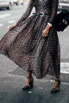 animalier: come indossarla 50 + outfits Stampa animalier: come indossarla 50 + outfitsThe Outfit The Outfit or Outfit may refer to: Fashion 2018, Fashion Outfits, Womens Fashion, Look Chic, Street Chic, Fashion Details, Fashion Prints, Fashion Beauty, Autumn Fashion