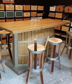 réalisation de tables, chaise de bar,tabouret haut, meubles personnalisés, réalisés en douelle de tonneaux de grands vins,design craft furniture,douelle design