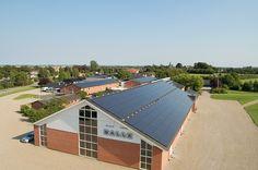 Balle Musik- og Idrætsefterskole: 240 kWp, 1240 paneler effekt 248000 W.