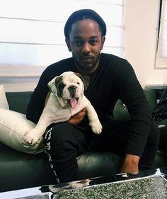 Moms favorite rapper has good choice in friends. Moms favorite rapper has good choice in friends. Rapper Kendrick Lamar, Kendrick Lamar Music Video, Hiphop, Good Kid Maad City, King Kendrick, Kung Fu Kenny, Jim Morrison Movie, American Rappers, Hip Hop Rap
