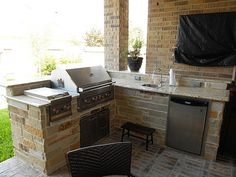 Small corner outdoor grill