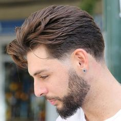 Quiff with Short Sides and Thick Beard - Best Haircuts For Men: Cool Men's Hairstyles Short Hair Undercut, Haircuts For Wavy Hair, Wavy Hair Men, Long Curly Hair, Men's Haircuts, Short Haircuts For Men, Short Quiff, Taper Fade Haircut, Red Hair