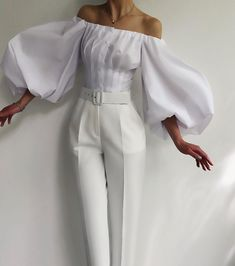Classy Outfits, Chic Outfits, Moda Chic, Mein Style, Fashion Dresses, Vogue, Womens Fashion, Luxury Fashion, How To Wear