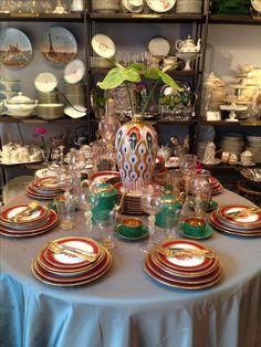Table de fête Table Settings, Tables, Table Decorations, Furniture, Home Decor, Mesas, Decoration Home, Room Decor, Place Settings
