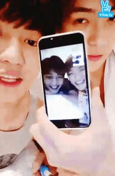 2Ho (Minho SHINee, Suho EXO), Chanyeol & Sehun - this gif could not have more beautiful in it!!!!!!! <3 <3 <3 2Ho is real.