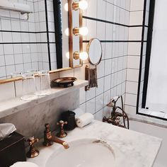 The 8 must-haves of your rustic bathroom - HomeDBS House Design, Laundry In Bathroom, House Bathroom, Interior, Dream Bathrooms, House Styles, Round Mirror Bathroom, House Interior, Bathroom Decor