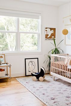 An organic modern nursery makeover. Click through for the full reveal (with before and after photos). Girl Nursery Themes, Nursery Design, Nursery Room, Nursery Decor, Nursery Ideas, Project Nursery, Nursery Layout, Room Ideas, Baby Nursery Neutral