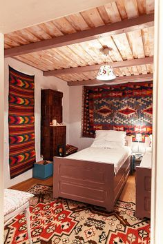 Romanian Traditional House/ Rustic bedroom/ casa traditionala romaneasca/ styling Sanziana Pop, Foto Catalin Georgescu