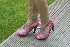Idea para renovar nuestro calzado con laca de uñas....