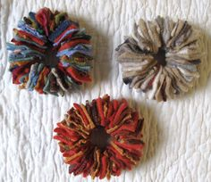 Resweater: wreath ornaments made from old sweaters
