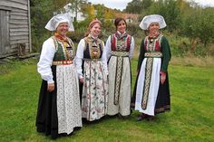 Bilderesultat for osbunad Norwegian Clothing, Going Out Of Business, Norway, Costumes, Google, Bergen, Clothes, Beauty, Vest