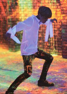 *insert Min Yoongi voice here* J-Hooooooooooope! This video is amazing! Hoseok is such an amazing dancer! J Hope Smile, J Hope Gif, Bts J Hope, Jung Hoseok, Gwangju, Lee Min Ho, Seokjin, K Pop, J Hope Selca