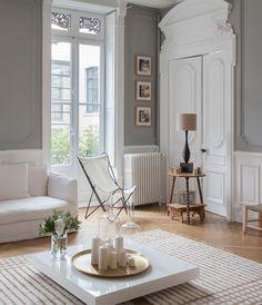 Forguder du høje paneler, stuk og et uendeligt meget lys, så er denne franske herskabslejlighed noget nær dit drømmehjem.