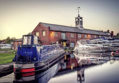 Stourport basin and yacht club Canal Boat, Yacht Club, Basin, Boats, Live, Ships, Boat, Ship