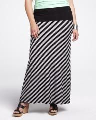 #AdditionElleOntheRoad striped maxi skirt | Shop Online at Addition Elle Elle Fashion, Womens Fashion, Flattering Outfits, Striped Maxi Skirts, Addition Elle, Fat Women, How To Look Pretty, Spring Summer Fashion, Plus Size Fashion