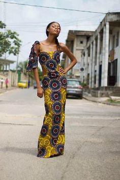 A model wearing a Yalerri dress (Côte d'Ivoire).