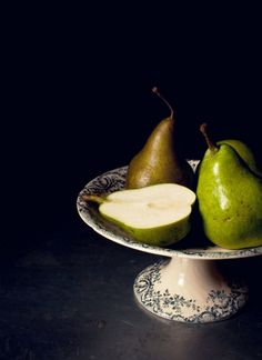 pears on #cakestand