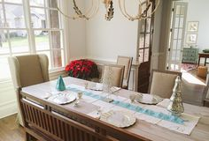 Sparkle and Dine Party Table Settings Giveaway | HelloNatural.co
