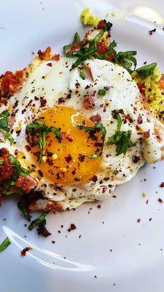 chiefspicemama • Original Audio Pesto Eggs, Magic Spell Book, Food Trends, Family Meals, Potatoes, The Originals, Breakfast, Ethnic Recipes, Audio