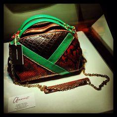 FUORI SALONE Amaranto #borbonese #bag #pitone #serata #top #aperitivo #evento #fuorisalone #boutique #amaranto #friends #prosecco #life #like #milan #city #italy #hotel @Baglioni Hotels #social_network #facebook #instagram #tumblr #twitter #pinterest #hastag #kiss #colors #cool #instafashion