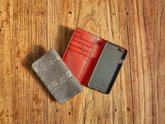 #METTIQUE #handstitch #leatheronly  #METTIQUE #iphone6 wallets in matte ombré #lizard with Cherry #vegetabletanned #Italian #cowhide leather lining, #handstitched with bees waxed thread.   WWW.METTIQUE.COM