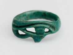 Eye of Horus finger ring. Egyptian, 1539–1075 B.C./// recreate in silver/gold or alabaster