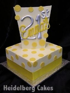 Girls Cake 18th and 21st 9