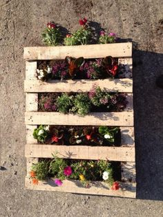 Since we often have the question, here is an easy way to prepare a pallet planter :  	be sure your pallet is clean and ready 	we suggest tu use non wooven paper as in the pic below to be sure t