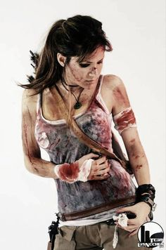 Make Tomb Raider Lara Croft costume yourself - Cosplay - halloween art Tomb Raider Cosplay, Tomb Raider Lara Croft, Lara Croft Cosplay, Costume Lara Croft, Soirée Halloween, Halloween Karneval, Halloween Cosplay, Halloween Costumes, Comic Con Cosplay