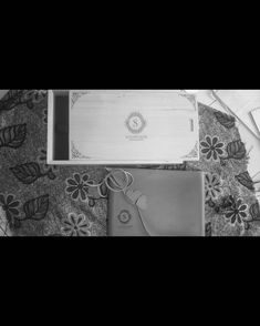"1,326 Suka, 1 Komentar - Handmade Album & Custom Box (@kasmaran.id) di Instagram: "". . . #love #alhamdulillaah #weddingalbum #weddingbox #weddingindonesia #preweddingindonesia…"""