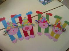 Clown in de handstand. Kids Crafts, Clown Crafts, Circus Crafts, Carnival Crafts, Carnival Themes, Circus Theme, Craft Activities For Kids, Summer Crafts, Diy And Crafts