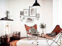 workout nook home gyms . workout nook in bedroom Living Room Chairs, Living Room Furniture, Living Room Decor, Living Rooms, Workout Nook, Living Room Workout, Design Bauhaus, Leather Butterfly Chair, Design Industrial