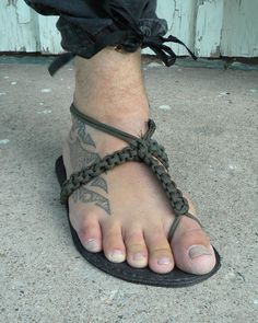 Paracord Projects   Paracord Sandal Making   Barefoot Bushcraft #bushcraftprojects