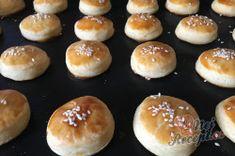 Příprava receptu Šumavské pagáče ze smetany bez kynutí, krok 12 Hamburger, Bread, Food, Brot, Essen, Baking, Burgers, Meals, Breads