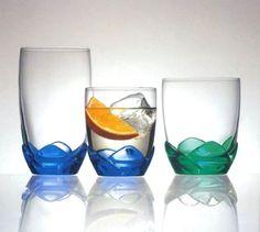 Bouquet, 1996. Il bicchiere Bouquet, uno dei maggiori best seller Bormioli Rocco degli anni Novanta, è figlio di un'innovazione industriale e della lungimiranza di chi allora ha voluto importarla in azienda e crederci. Stiamo parlando del processo PDS (pressato direttamente sul soffiato), che permette di applicare un gambo di vetro pressato su un bulbo di vetro soffiato.