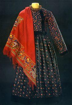 Одежда крестьянки Московской губернии- конец 19 века-ГИМ.
