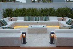 41 Affordable Diy Project Fire Pit Table Ideas To Decorate Y. - 41 Affordable Diy Project Fire Pit Table Ideas To Decorate Your House In Winter - Backyard Seating, Backyard Patio Designs, Modern Backyard, Garden Seating, Backyard Landscaping, Backyard Ideas, Firepit Ideas, Landscaping Ideas, Modern Outdoor Living
