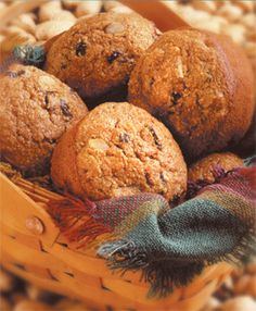 Try these Whole Wheat Muffins with Almond Breeze for a perfect family #breakfast.