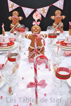 Gingerbread table!!!! So pretty